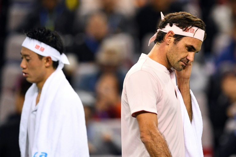 Federer fires to join Djokovic in Shanghai semis