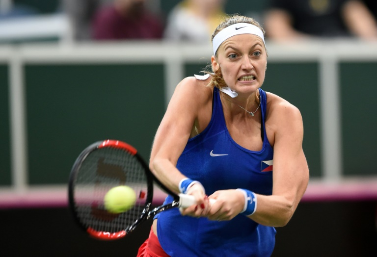 Kvitova leads Czechs into Fed Cup semi-finals, Serena poised for return