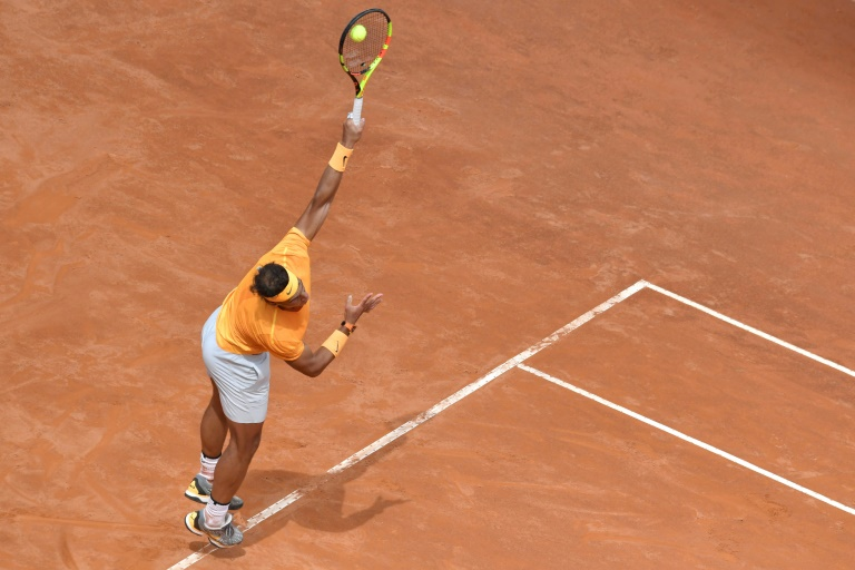 Nadal powers into Rome third round