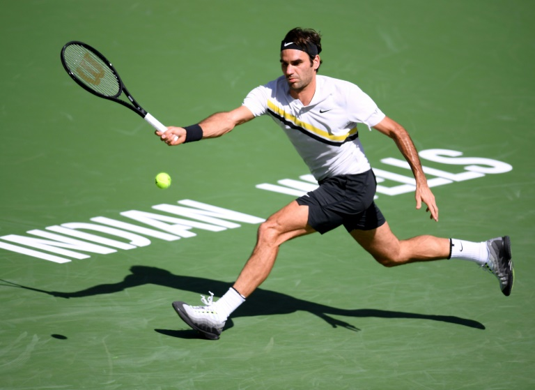 Federer rolls into Indian Wells fourth round
