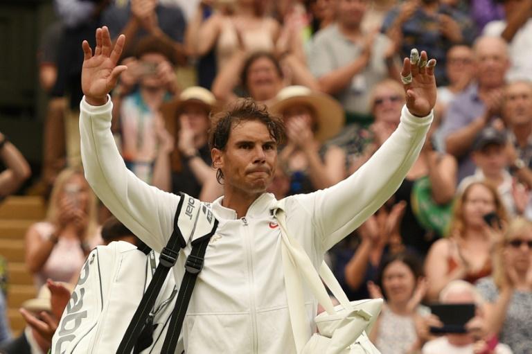Wimbledon: poursuivre le match sous le toit n'était pas logique selon Nadal