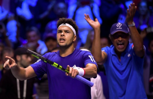 Tsonga downs Darcis to level for France