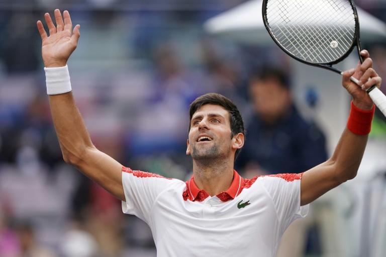 Djokovic expéditif à Shanghai pour passer en quarts