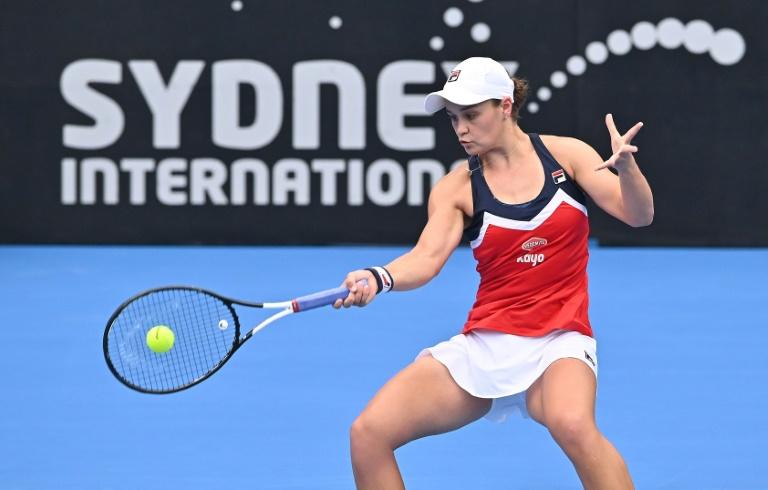 Red-hot Barty, Seppi storm into Sydney finals